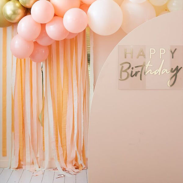 Picture of Gold and Peach Party Backdrop aus Krepp